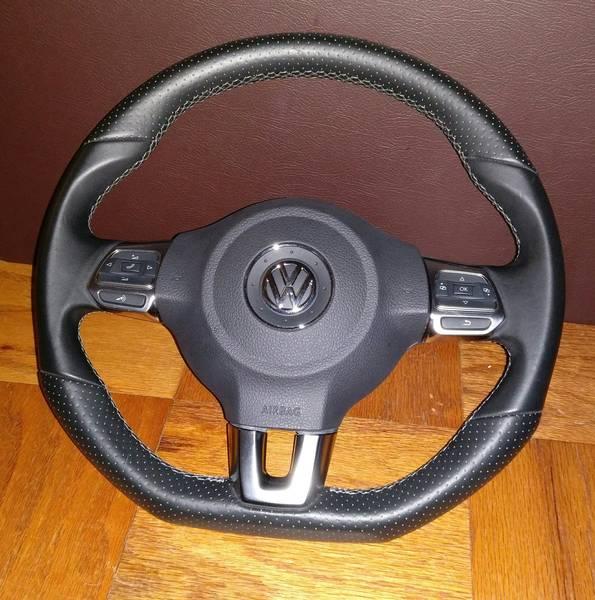 VW Scirocco steering wheel