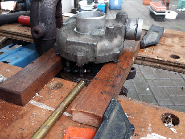 Taking turbo apart with clamps
