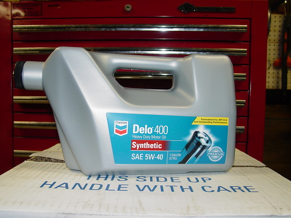 Chevron_Delo_400_5W-40_synthetic_gallon