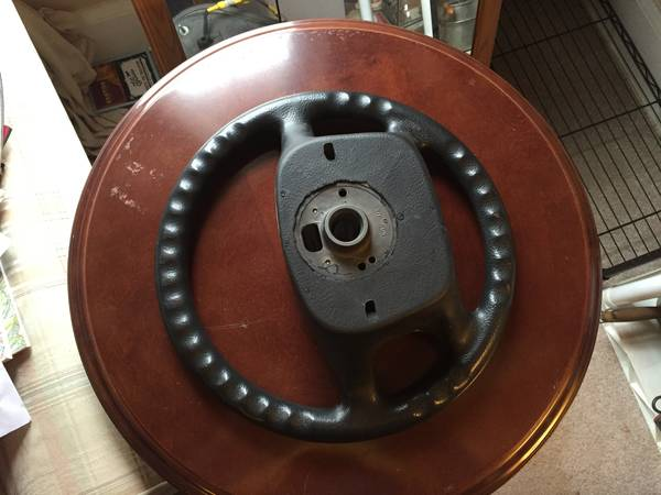 Four spoke wheel back
