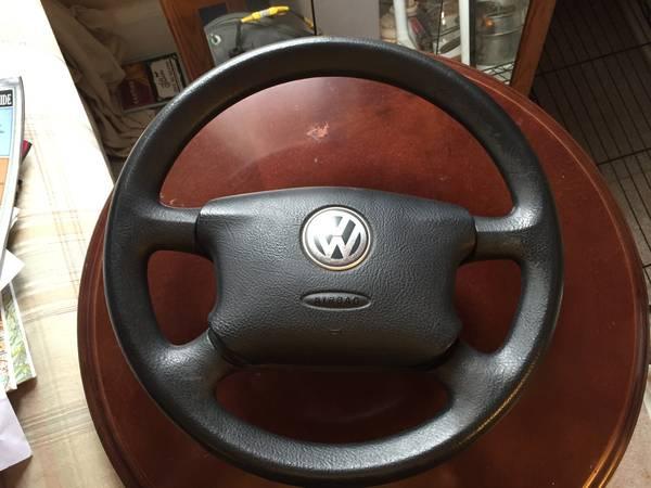 Four spoke wheel front